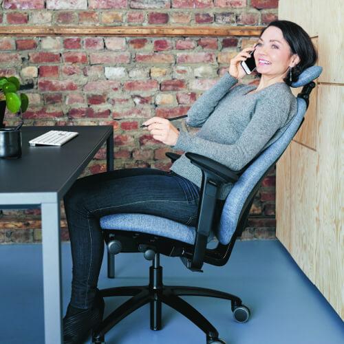 bureaustoel uitproberen