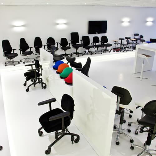 ergonomische bureaustoel uitproberen